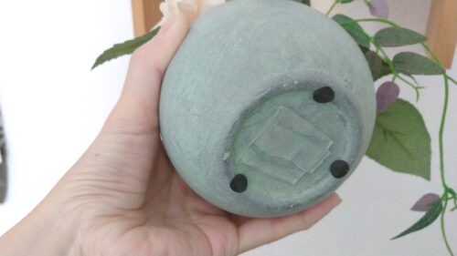 魔法のテープを裏面に付けたインテリア雑貨